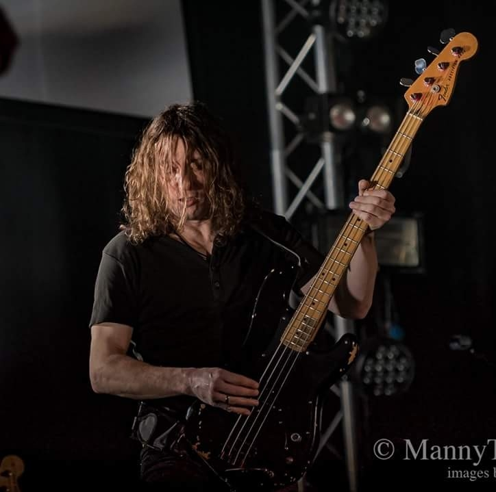 Wayne Banks - bass player